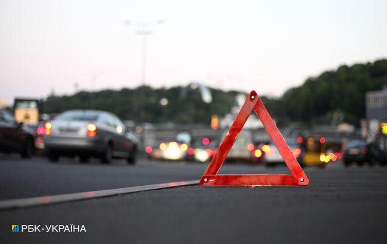 Під Львовом сталася ДТП з постраждалими за участю автомобіля поліції