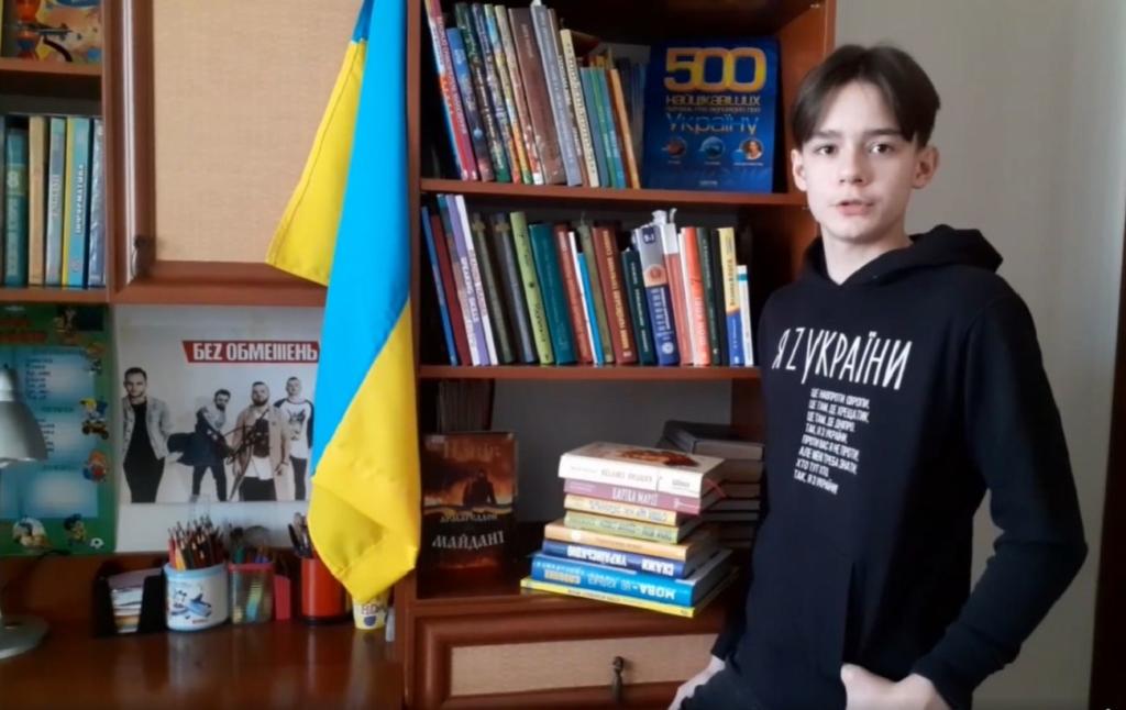 Зброя моя буде – у словах: вірш 8-класника з Миколаєва розчулив мережу (відео)
