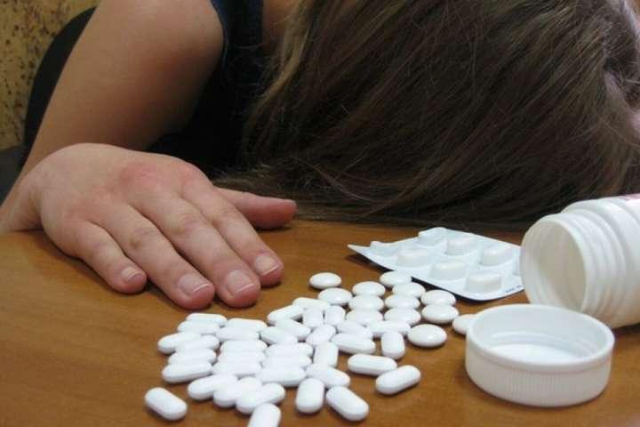 У Сумах госпіталізували дівчину, яка через сварку випила 30 таблеток