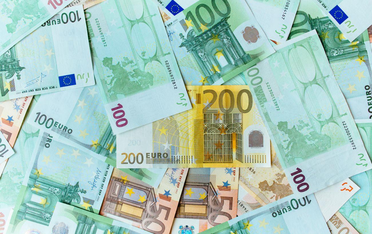 НБУ снова понизил официальный курс евро