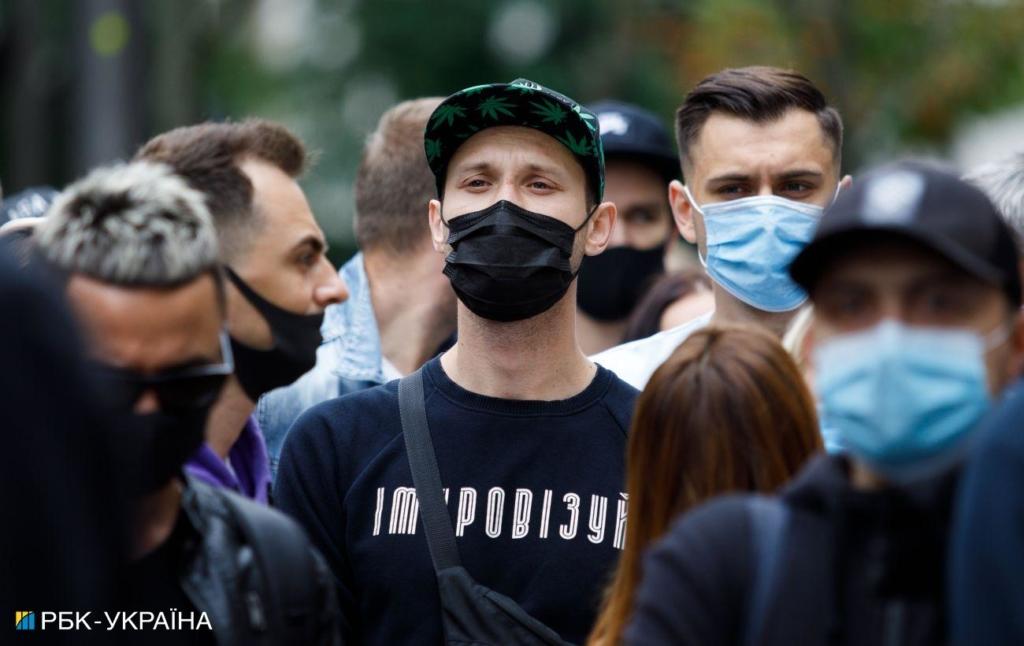 В Україні за добу зафіксували 852 нових випадки коронавірусу