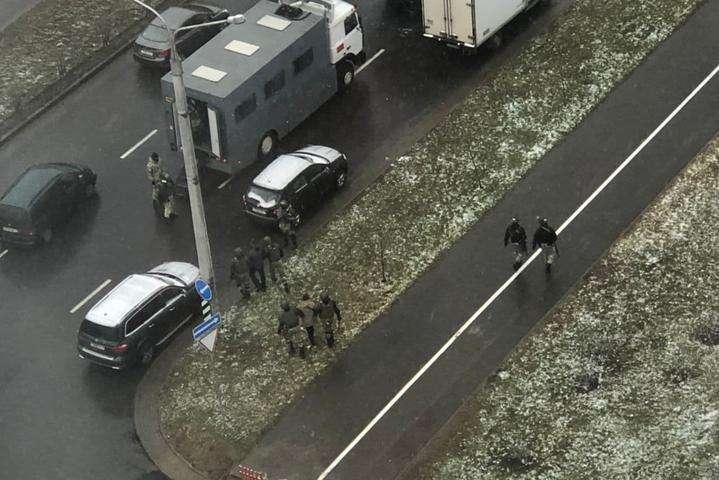 Протести у Мінську: силовики вдалися до розгону мітингарів, є затримані