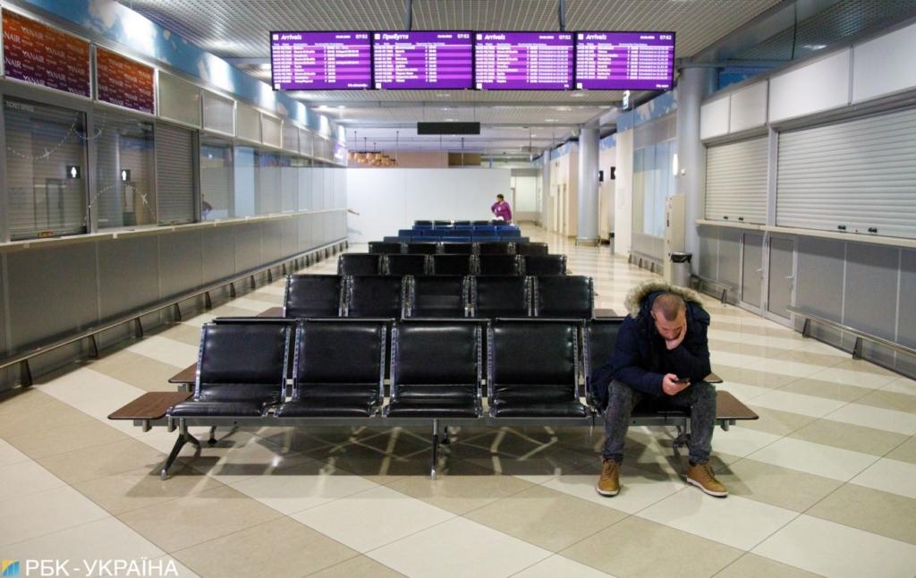 """В аэропорту """"Борисполь"""" поймали иностранца с бриллиантами на 1 млн гривен"""