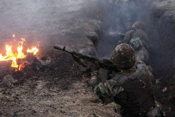 Доба на Донбасі: шість ворожих обстрілів, двох військових поранено