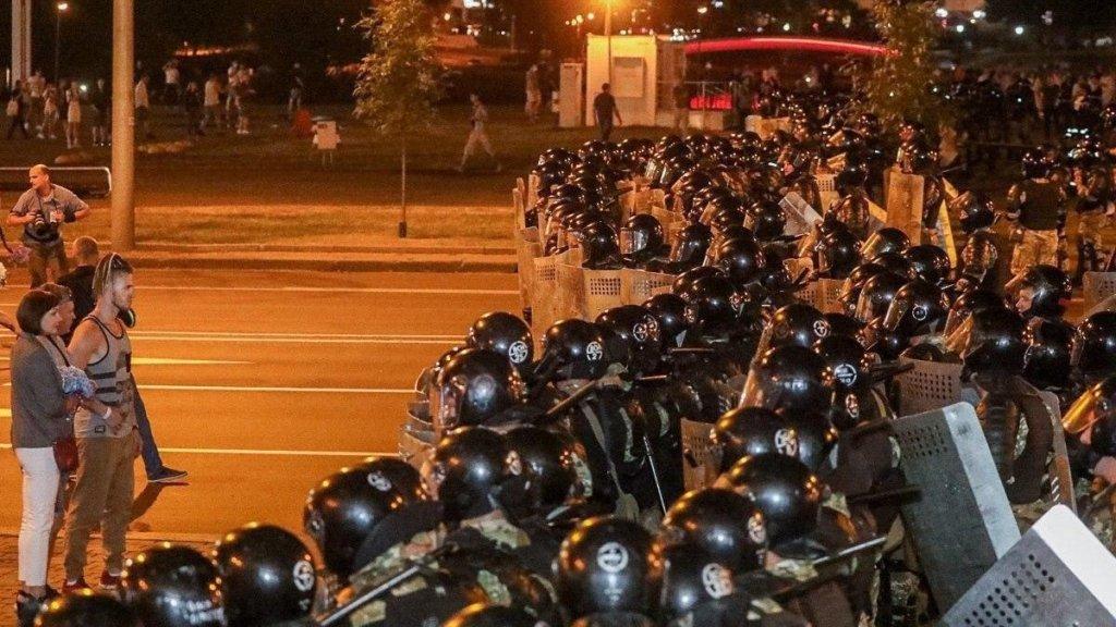 «Ввійдемо в громадянську війну»: міністр оборони Білорусі зробив тривожну заяву