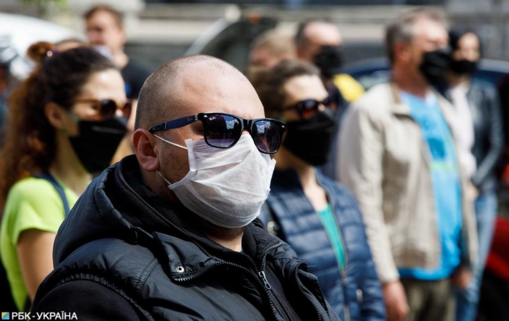 В Германии COVID-вакцинированных освободили от ограничений: что им позволили