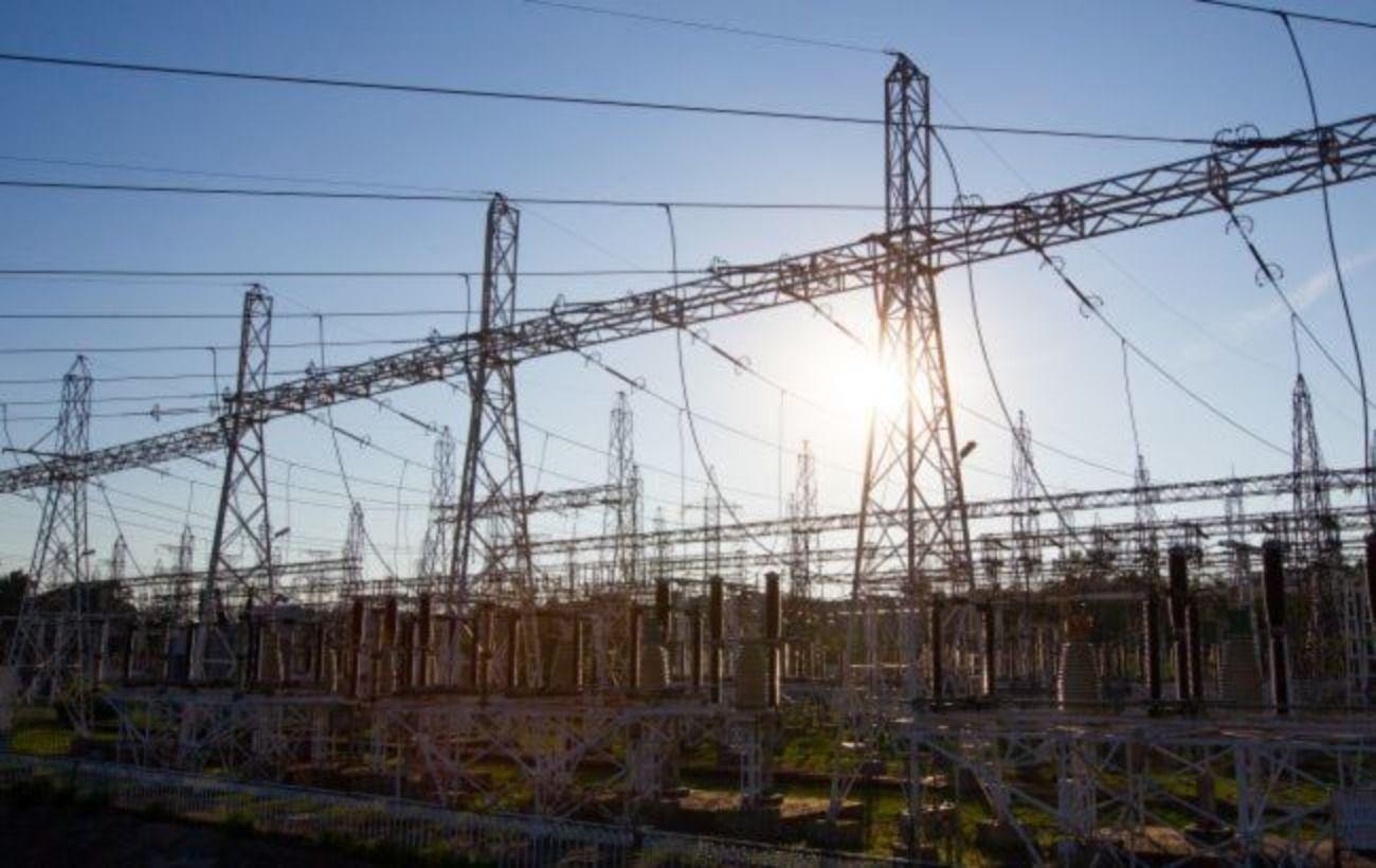 Уменьшение инвестиций в ремонты электросетей для снижения тарифа грозит энергосистеме, — облэнерго
