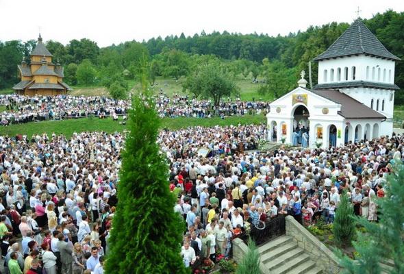 Лавру на Львівщині закрили на карантин через спалах коронавірусу