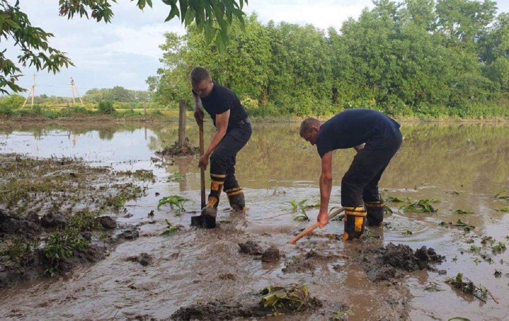 Ливни в Черновицкой области повредили дороги и мосты почти в 30 населенных пунктах