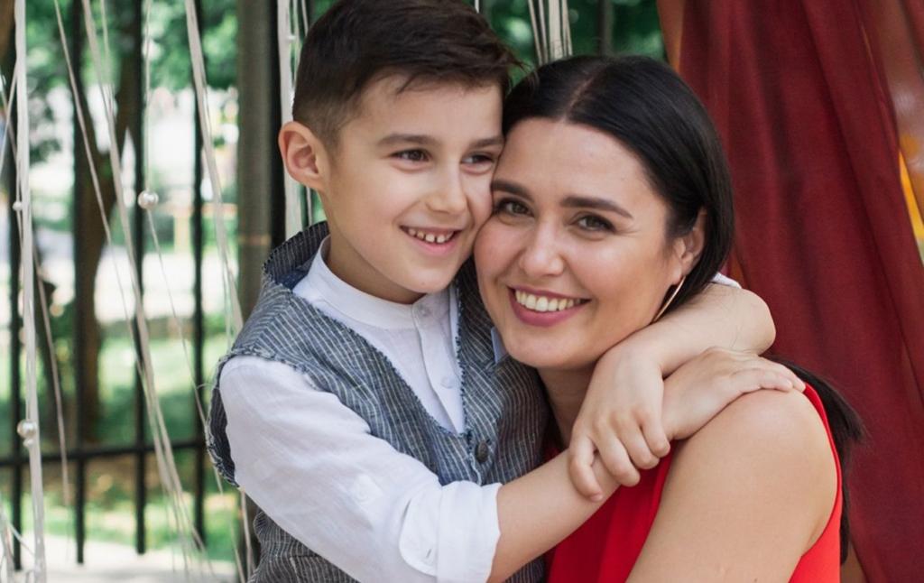 """Ведуча """"плюсів"""" розповіла про поповнення в сім'ї: мій син Тарасик зразу знайшов спільну мову з нею"""