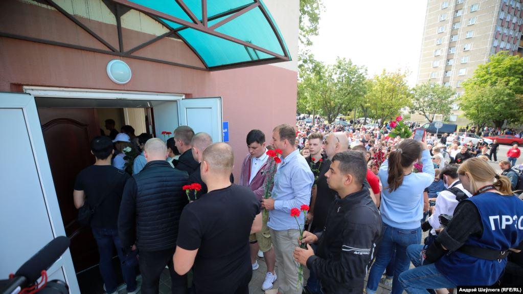 У Мінську кілька тисяч людей зібралися біля станції метро Пушкінська