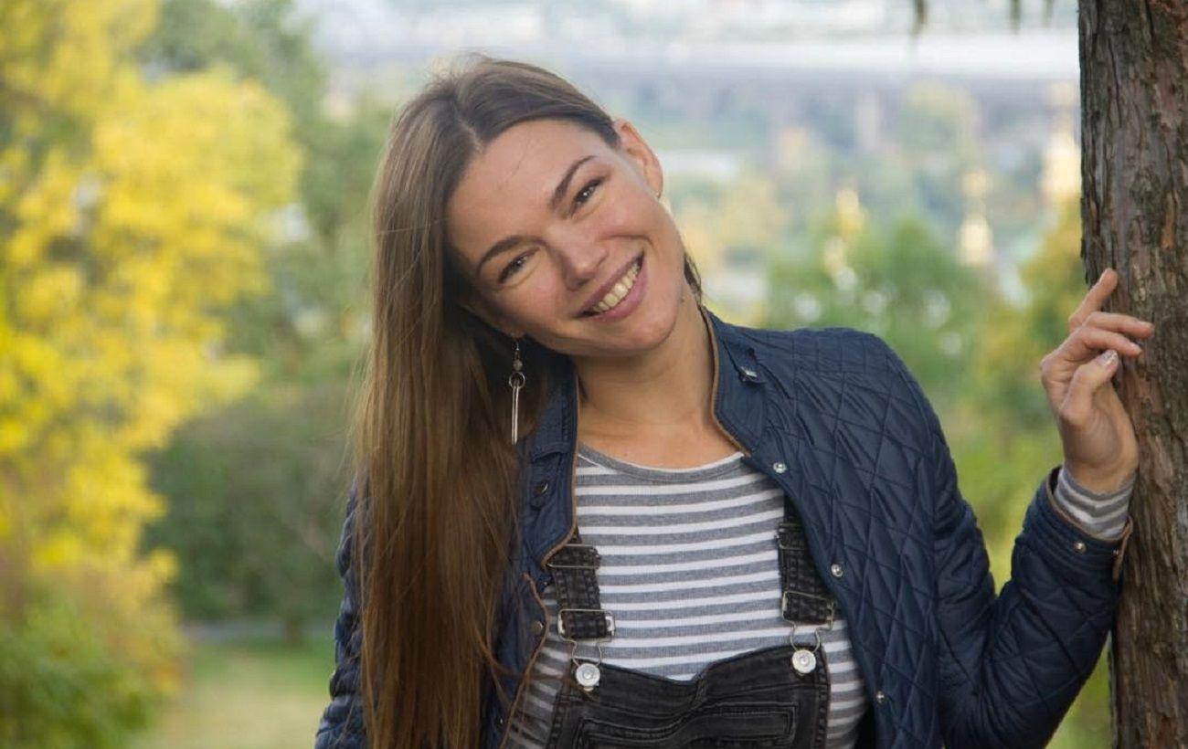 """Українська актриса стала жертвою шахрая: """"клявся, що ніколи не вижене на вулицю жінку з дитиною"""""""