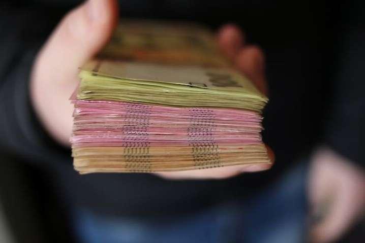 Пенсії і соцвиплати будуть видавати за новими правилами: названо дату