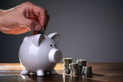 Яку пенсію отримують українці із середньою зарплатою: дані з усіх регіонів