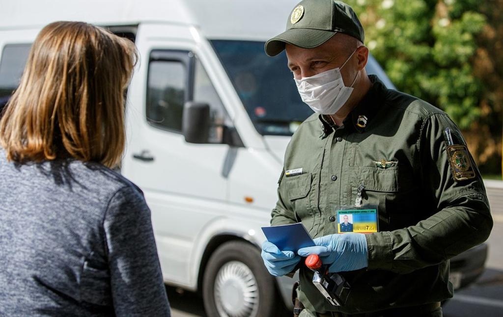 Абитуриенты с ОРДЛО могут избежать наказания за въезд из России: пограничники назвали условие