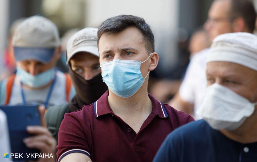 В Украине за сутки обнаружили 745 новых случаев коронавируса