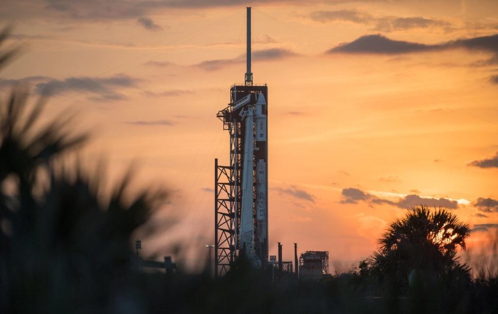 Корабль SpaceX с четырьмя астронавтами на борту успешно пристыковался к МКС