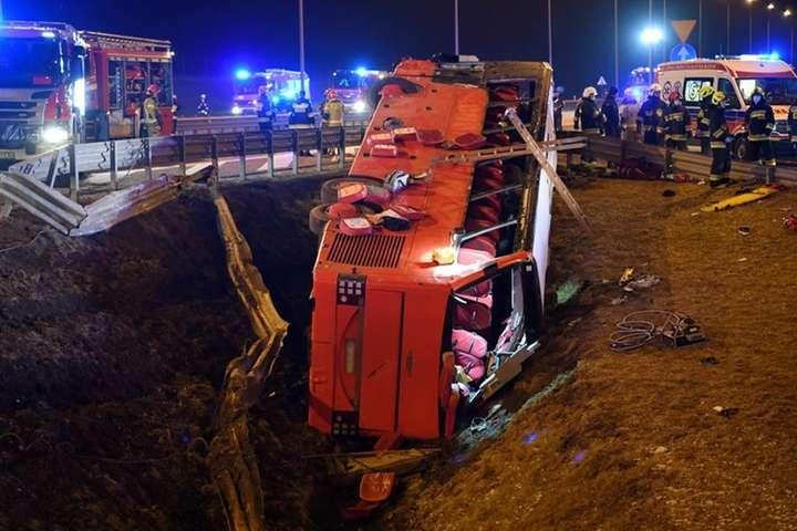Швидкість різко впала до 45 км/год: з'явилися нові деталі ДТП з українцями у Польщі