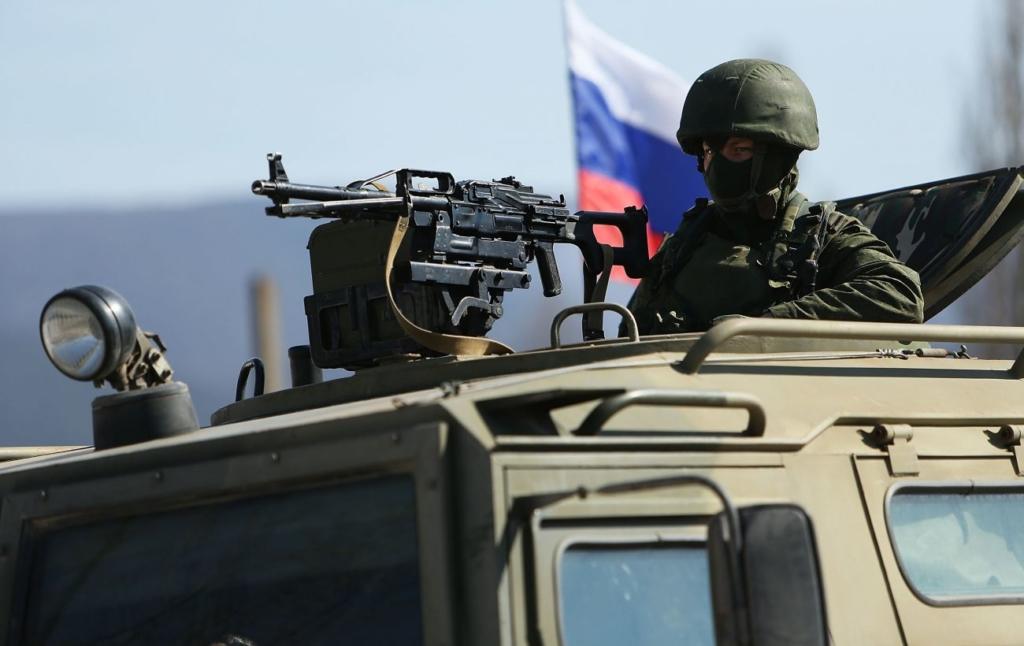 Россия провела в Крыму танковые учения на фоне маневров НАТО