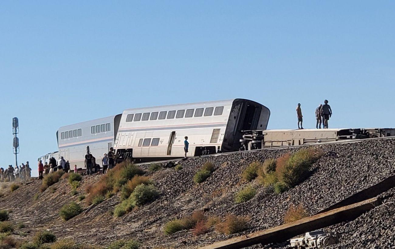 У США пасажирський поїзд зійшов з рейок, є жертви