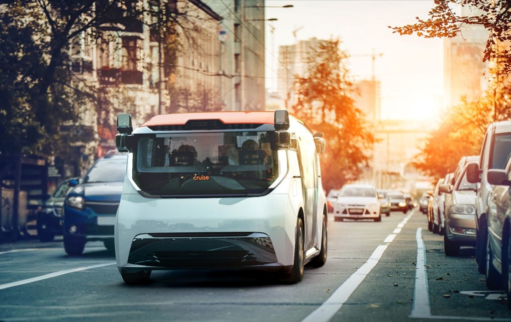 Беспилотные такси и анонс от Apple. Главное из мира технологий