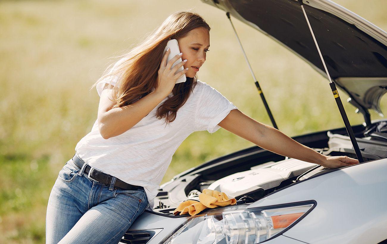 Автомобілістам перед від'їздом з дому потрібно заглянути під капот: чому це так важливо