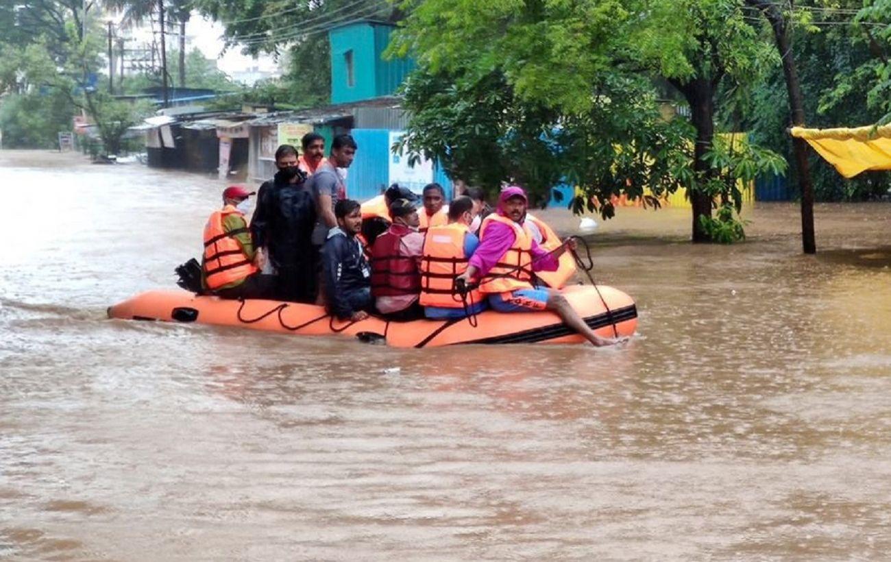 Индия накрыли сильные ливни за последние 40 лет. Погибли уже 125 человек