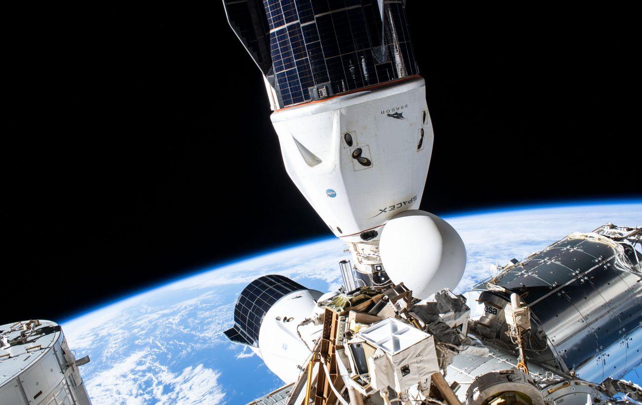 """В російському модулі """"Зоря"""" на МКС чергові проблеми: виявили завищені показники плісняви"""