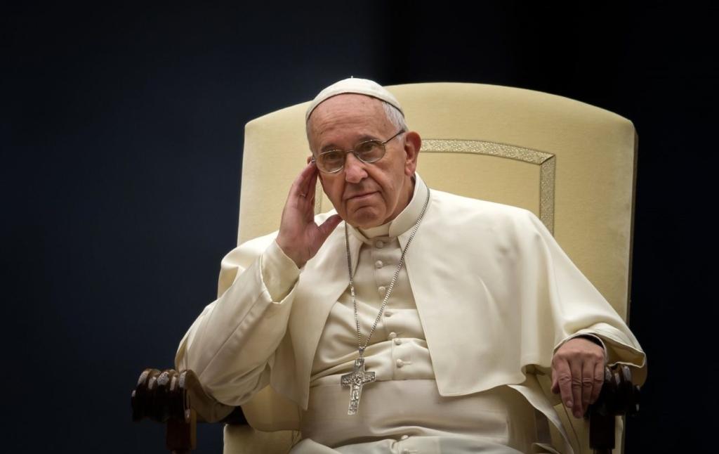 Папа Римский призвал предотвратить рост напряженности на Донбассе