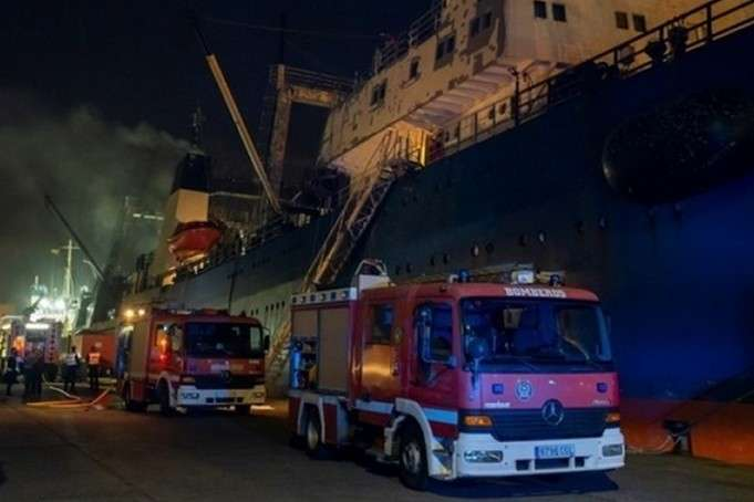СМИ: трое украинский погибли в пожаре на рыболовецком судне на Канарах