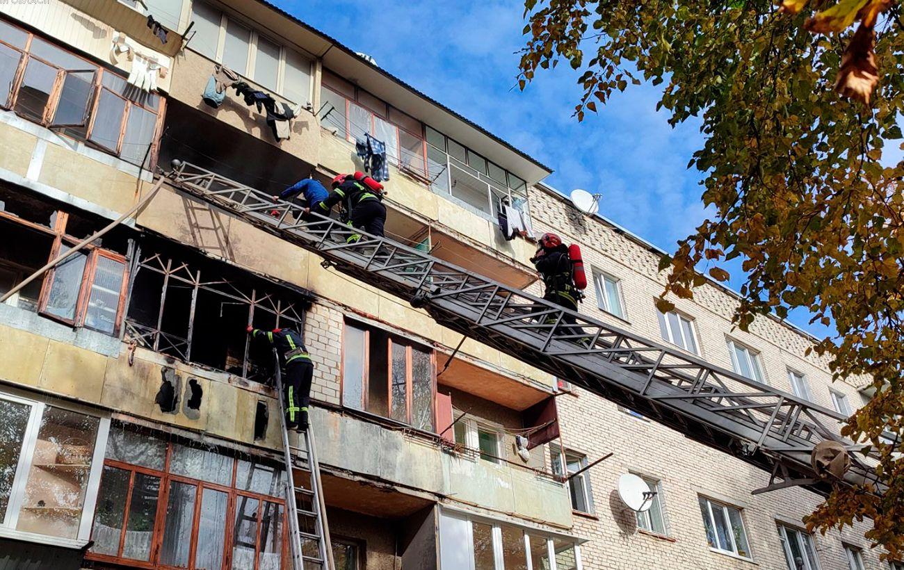 У Львівській області сталася пожежа в житловому будинку: є постраждалі, серед них діти
