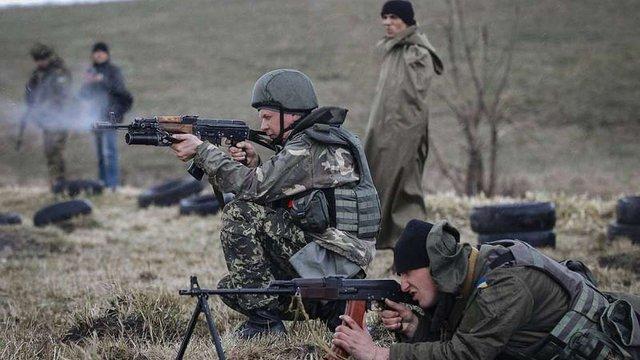 На Донбасі підірвався воїн ЗСУ: що відомо про його стан
