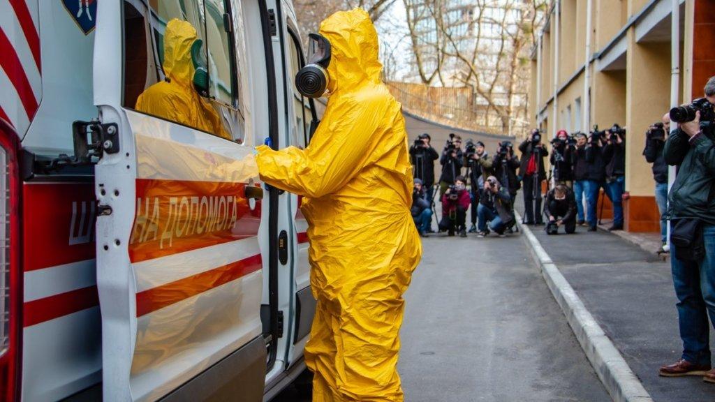 Летальність від коронавіруса в Україні становить 2,4%