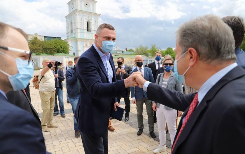 Кличко зустрівся з послами 20 європейських країн на відкриті Дня Європи в Україні