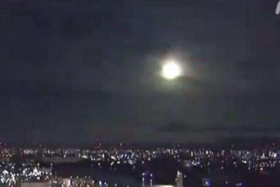 В небі над західною Японією вибухнув метеорит (відео)