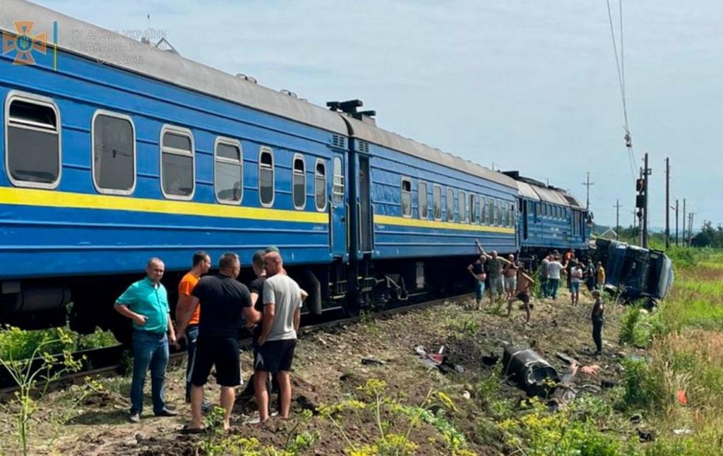 В аварії з потягом на Закарпатті постраждали п'ятеро людей