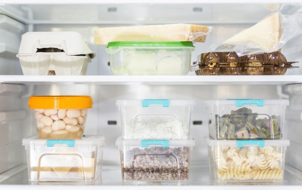 """Як правильно зберігати продукти: скільки можуть """"жити"""" крупи, цукор і сіль"""
