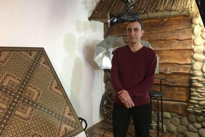 Панно с 350 000 элементов. Переселенец из Крыма установил уникальный рекорд (фото)