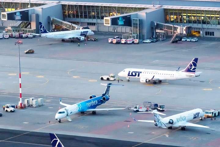 В аеропорту Варшави шукали вибухівку на літаку з Києва