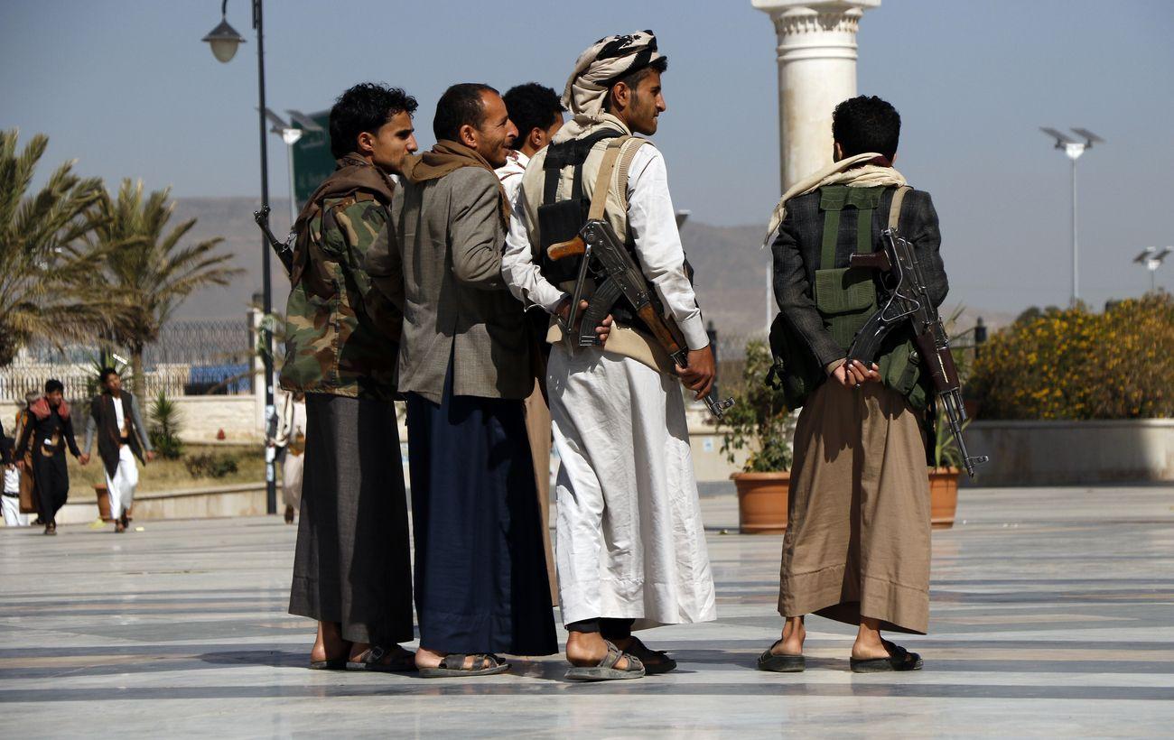 Тысячи афганцев не могут эвакуироваться в США через захваченные талибами дороги
