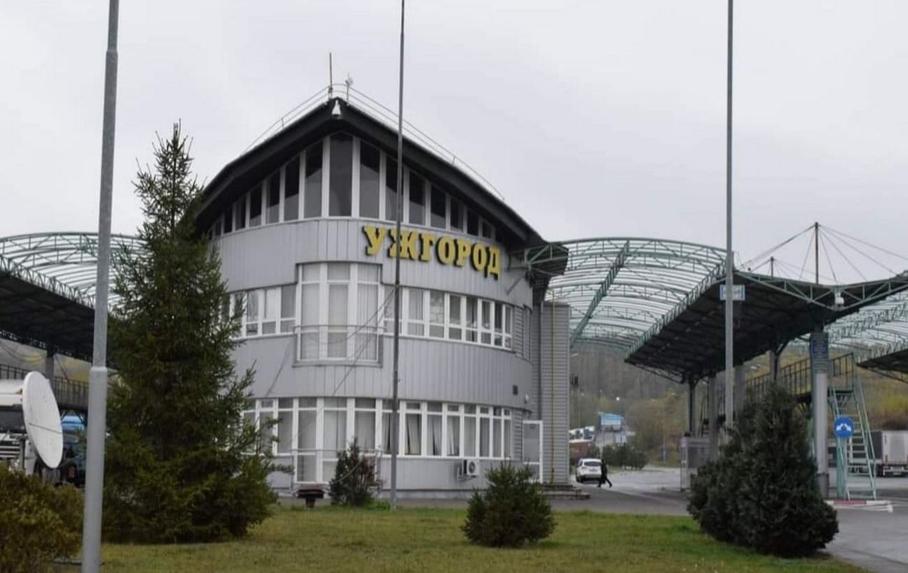 Украинцы смогут ездить в Словакию автобусами: что требовать от путешественников