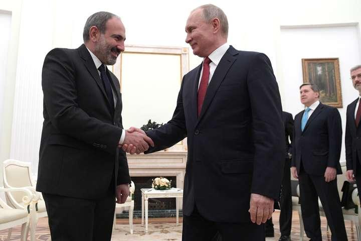 Війна у Нагірному Карабасі: Вірменія попросила Путіна про допомогу