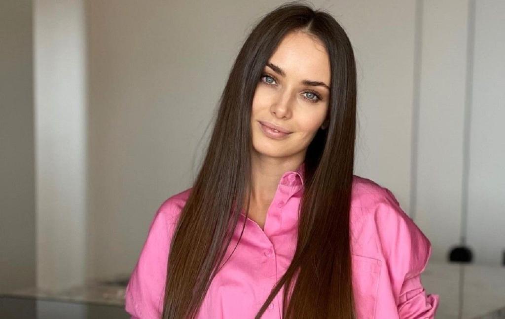 Ксения Мишина отметила день рождения в Крыму с Александром Эллерт