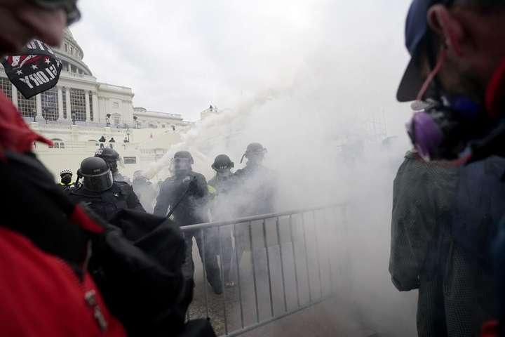 Беспорядки в Вашингтоне: мировое сообщество в шоке штурмом Капитолия