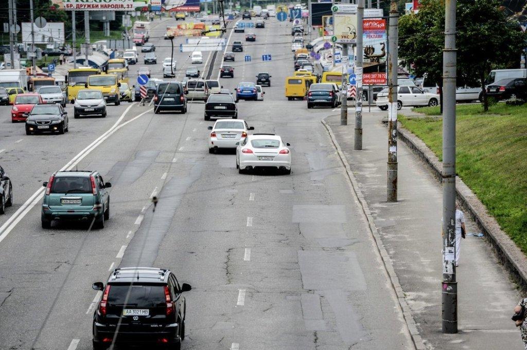 Водіїв в Україні почнуть штрафувати по-новому з 1 жовтня: нові правила