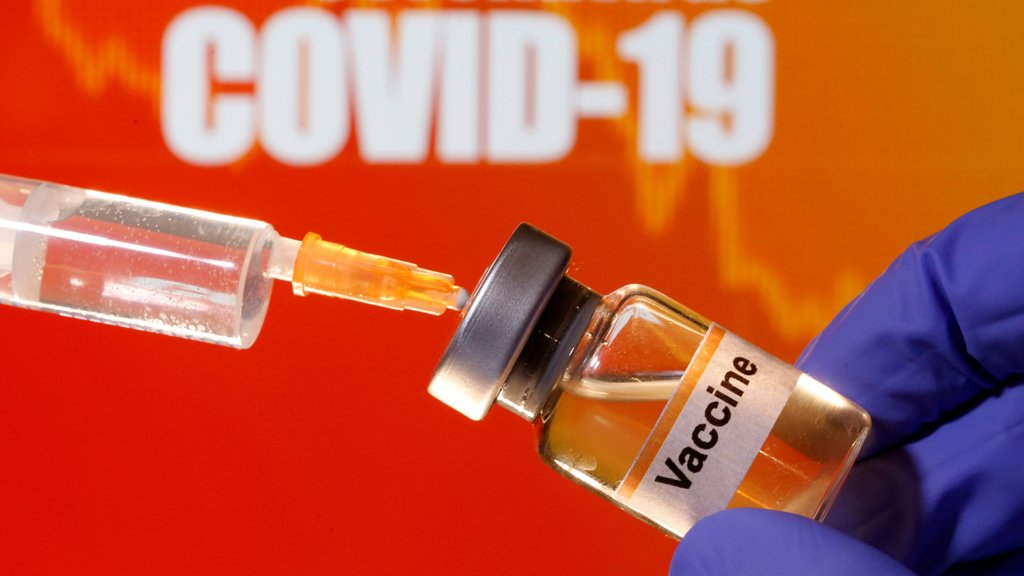 Лікар попередив про небезпеку поспішної вакцинації людей від коронавіруса