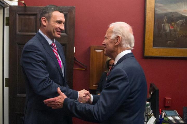 Кличко привітав Байдена з перемогою на виборах Президента США