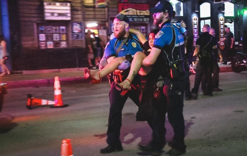 У Техасі чоловік влаштував стрілянину в розважальному центрі, 13 поранених