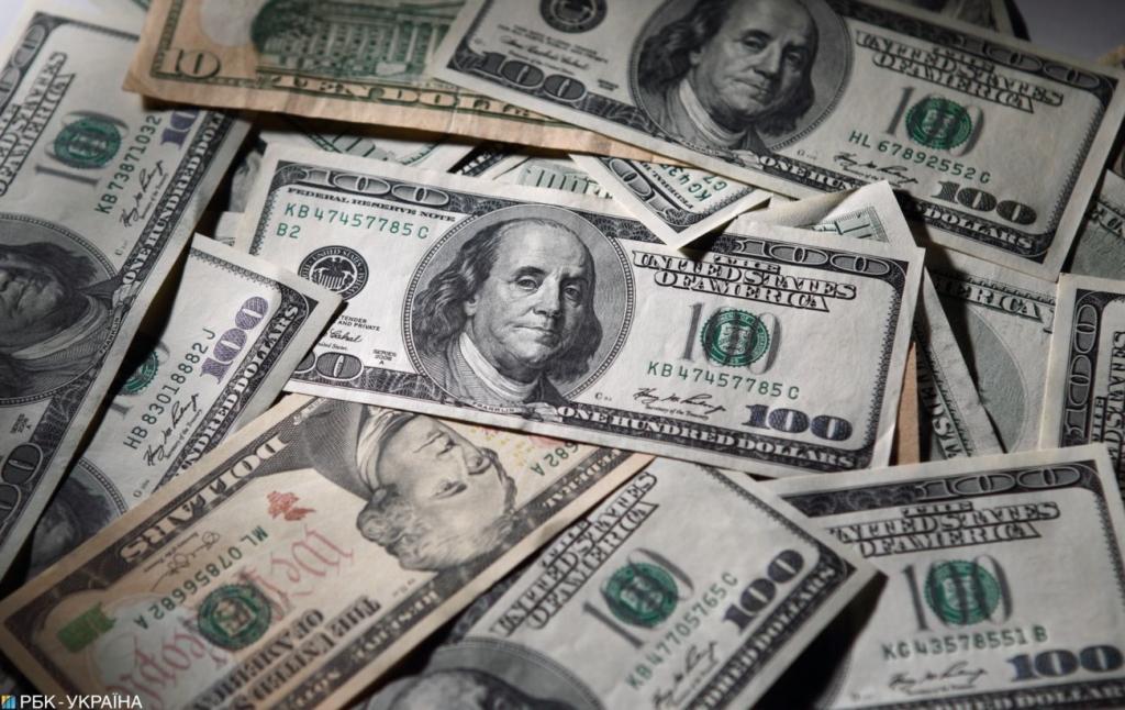 Курс долара на міжбанку впав на 15 копійок