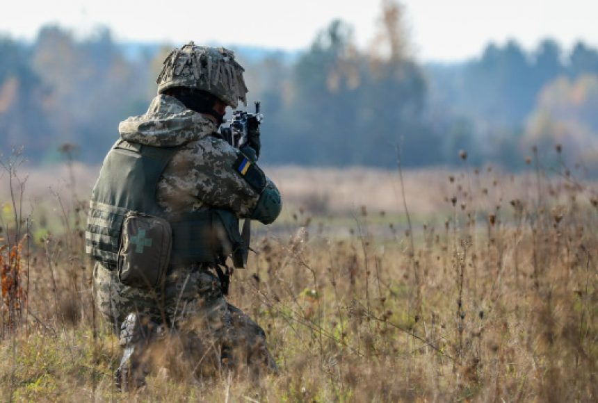 Бойовиків на Донбасі зловили на мінування мирної території